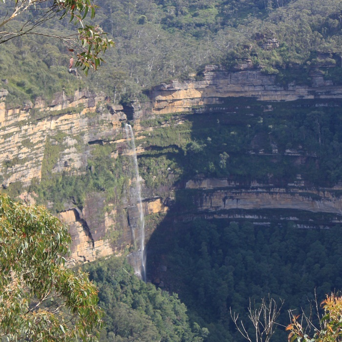 Govetts Leap / Horse Shoe Falls from the Cliff Top Walk